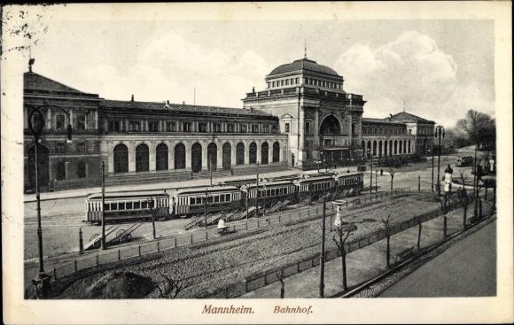 Ak Mannheim in Baden Württemberg, Bahnhof, Straßenseite