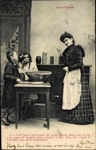 Ak Les Crêpes, Mutter in der Küche mit Kindern