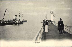 Ak Seebrücken mit Leuchttürmen, Salondampfer