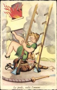 Ak Französischer Feuerwehrmann, Frau an Leiter, Brand, Humor