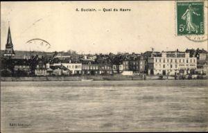 Ak Duclair Seine Maritime, Quai du Havre, vue générale prise du mer, clocher