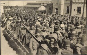 Foto Ak Erfurt in Thüringen, Ankunft französischer Kriegsgefangener 1914