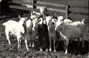 Ak Schweiz, Ziegenhirte, Junge mit Ziegen