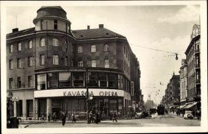 Ak Ostrava Ostrau Reg. Mährisch Schlesien, Partie in der Hauptstraße, Opera