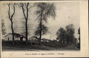 Ak Versailles Yvelines, Camp de Satory, Front de Bandiere