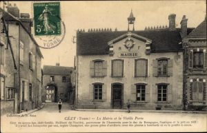 Ak Cézy Yonne, La Mairie et la Vieille Porte, Rathaus