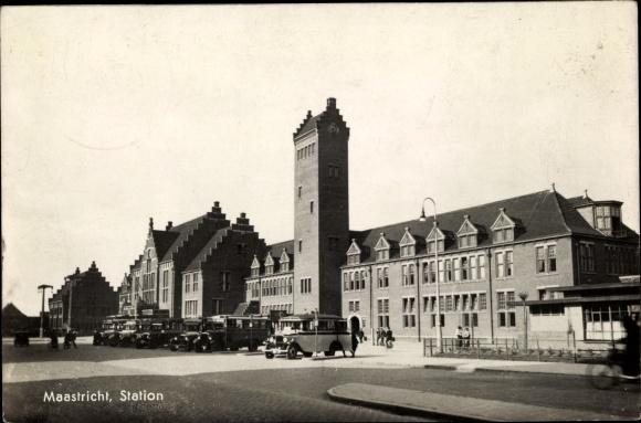 Ak Maastricht Limburg Niederlande, Station, Busse