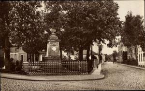 Ak Snamensk Wehlau Ostpreußen, Kriegerdenkmal, Pinnauer Straße