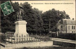 Ak Coulommiers Seine et Marne, Statue de Beaurepaire, La Gendarmerie