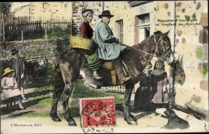 Ak Haute Loire, Paysans d'Auvergne se rendant au Marché