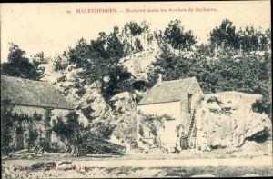 Ak Malesherbes Loiret, Maisons dans les Roches de Buthiers