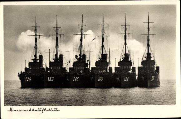 Ak Deutsche Kriegsschiffe, Minensuchhalbflotille, 129, 132, 146, 109, 126, 111 0