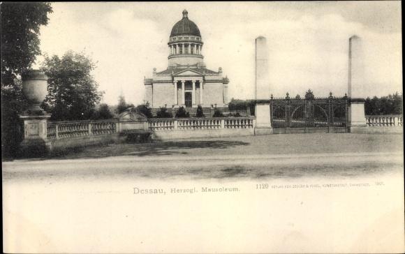 Ak Dessau in Sachsen Anhalt, Herzogliches Mausoleum 0