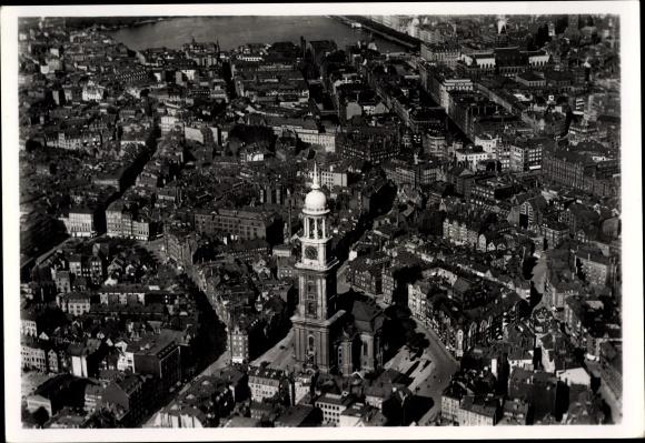 Ak Hamburg, Blick auf die St. Michaeliskirche