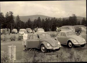 Foto VW Käfer auf einem Parkplatz, VW Bully
