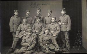 Foto Ak Deutsche Soldaten in Uniformen, Gruppenbild