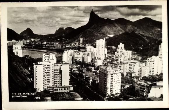 Ak Rio de Janeiro Brasilien, Botafogo, skyscrapers, mountains