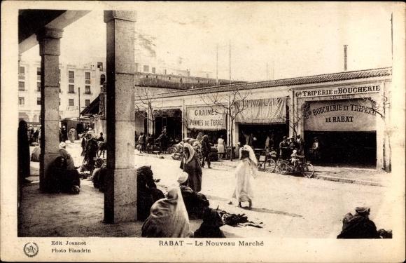 Ak Rabat Marokko, Le Nouveau Marche, Blick auf die Markthalle, Araber