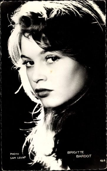 Ak Schauspielerin Brigitte Bardot, Portrait