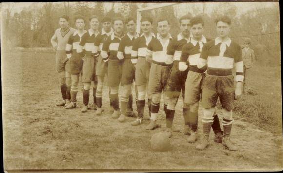Foto Ak Fußballmannschaft, Tor, Trikot