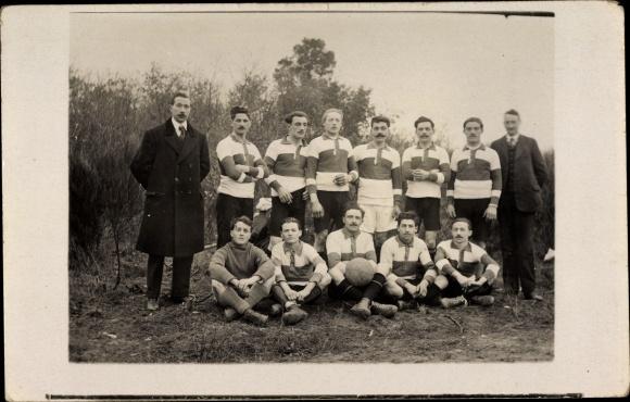 Foto Ak Fußballmannschaft, Trikots
