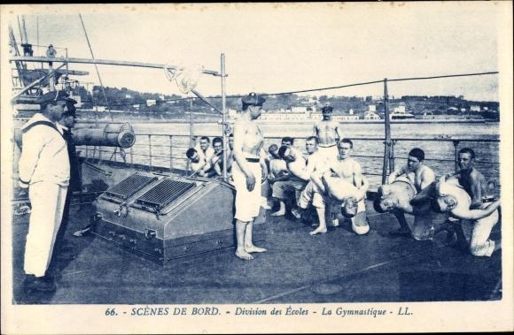 Ak Scenes du Bord, Division des Ecoles, la Gymnastique, Seeleute