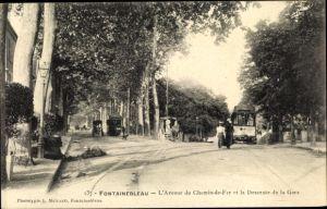 Ak Fontainebleau Seine et Marne, L'Avenue du Chemin de Fer et la Descente de la Gare
