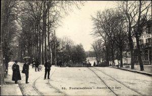 Ak Fontainebleau Seine et Marne, Descente de la Gare