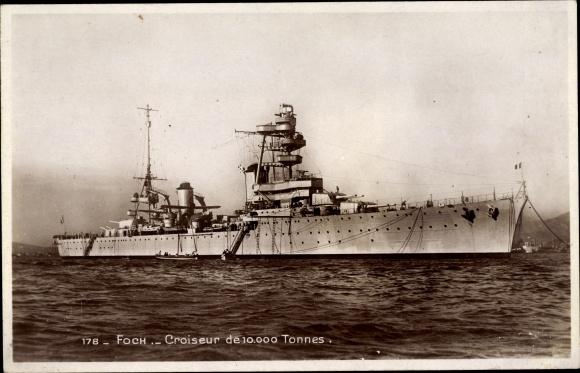 Ak Französisches Kriegsschiff, Foch, Croiseur