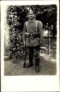 Foto Ak Deutscher Soldat in Uniform, Pickelhaube, Ausrüstung, Zittau