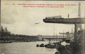 Ak Paris VII. Arrondissement, Delbord, Champion du Monde, exécute un plongeon de 20 métres