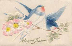 Relief Ak Glückwunsch Neujahr, Bonne Année, Schwalben, Blüten