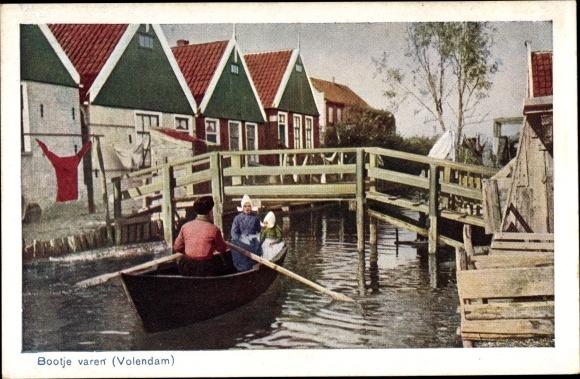 Ak Edam Volendam Nordholland Niederlande, Bootje varen, Personen in Volkstrachten, Ruderboot