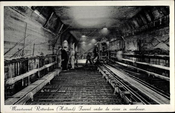 Ak Rotterdam Südholland Niederlande, Maastunnel, Tunnel im Bau, Betonarbeiter