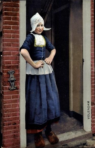 Ak Edam Volendam Nordholland Niederlande, Photochromie, Nenke und Ostermaier 80 1947, Tracht
