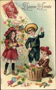 Präge Litho Glückwunsch Neujahr, Kinder, Münzen, Schweine, Kleeblätter, Hufeisen, Fliegenpilze