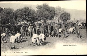 Ak Bivuac d'artillerie, Schweizer Soldaten bei einem Biwak