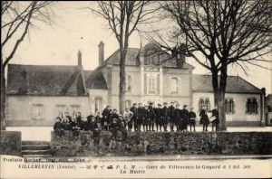 Ak Villeblevin Yonne, La Mairie, Rathaus, Kinder