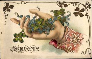 Präge Litho Frauenhand mit Kleeblättern, Vergissmeinnicht