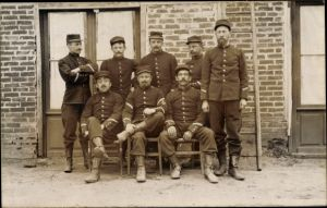 Foto Ak Französische Soldaten in Uniformen