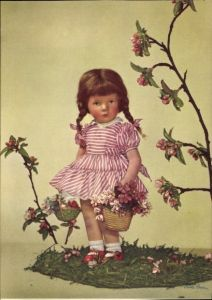 Ak Käthe Kruse Puppen, Mädchen mit Blumenkorb