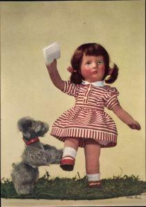 Ak Käthe Kruse Puppen, Mädchen mit Brief, Terrier, Plüschhund