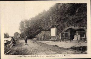Ak Montreuil Maine et Loire, La Grotte au bord de la Mayenne