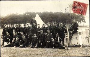 Foto Ak Französische Soldaten in Uniformen, Artillerie