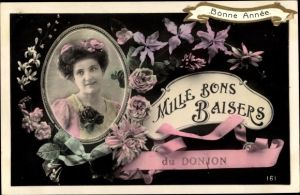 Ak Mille Bons Baisers du Donjon, Allier, Frauenportrait, Blumen