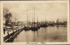 Ak Bremervörde in Niedersachsen, Hafenpartie, Fischerboote