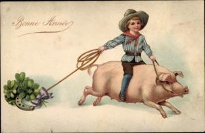 Ak Glückwunsch Neujahr, Junge auf einem Glücksschwein, Kleeblätter