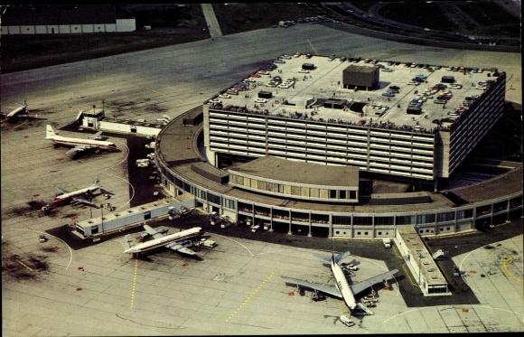 Ak Toronto Ontario Kanada, International Airport, Fughafen, Flugzeuge, Fliegeraufnahme 0