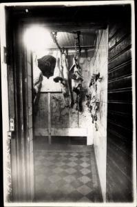 Foto Ak Innenansicht einer Fleischerei, Schlachter