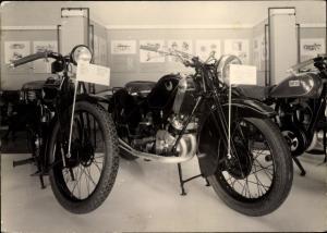 Ak Schloss Augustusburg im Erzgebirge, Zweitakt Motorrad Museum, DKW 1925/26, Scott/England 1929